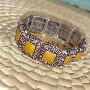 Jewelry - Silver and light brown bracelet